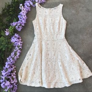 Bb Dakota Ivory A-Like Crochet Dress Size 4